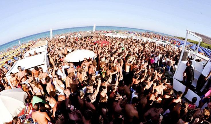 harat-net-italya-seyahat-20-neden-Reasons-to-travel-puglia-apulia-italy-beach-party